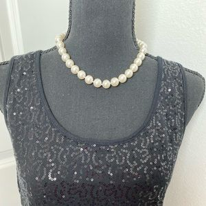 Jewelry - Faux pearl costume necklace. NWT.